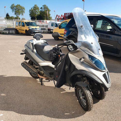 MP3 40LT 400cc 33cv TM PIAGGIO MP3 40LT 400cc 33cv Carrosserie : TMP2 N° série t…