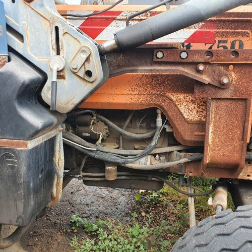 R3143 TRACTEUR 4 Cylindres 70cv TRA RENAULT R3143 TRACTEUR 4 Cylindres 70cv Carr…