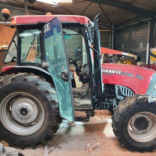 TRACTEUR QUANTUM 75C 4x4 TRA CASE IH TRACTEUR QUANTUM 75C 4x4 Carrosserie : AGRI…