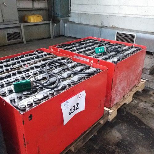 1 lot de batterie pour chariot élévateur E48 avec chargeurs