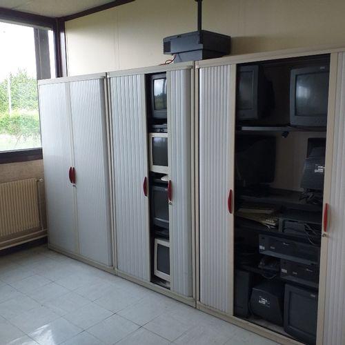 Tout l'entier mobilier et matériel contenu dans cette pièce