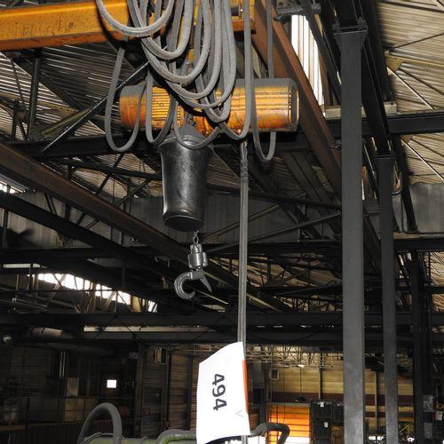 1 palan à chaîne sur poutre monorail à commande au sol marque SADAMEC/UNELEC n°5…