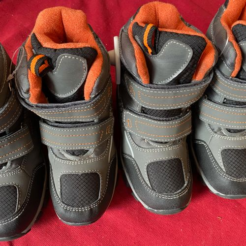 Lot de 2 paires de chaussures enfants