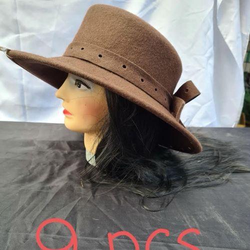 Lot de 9 chapeaux de qualité de luxe