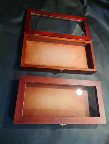 Lot de 5 boîtes en bois et verre avec fermeture types boîtes à cigares