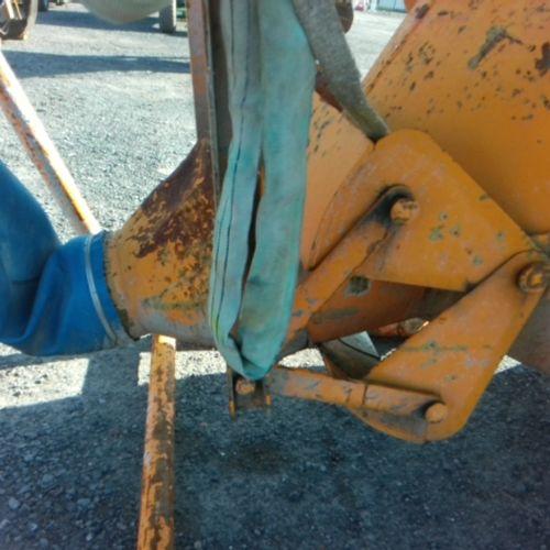 DIV EICHINGER CONCRETE TIPPER 1500 LITRES VAT recoverable Equipment : LOAD CAPAC…
