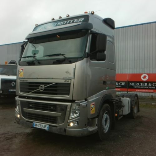 TRR VOLVO FH 500 4X2 19T GLOBETROTTER Dmec: 08/03/2010 499085Kms Energy: GO Colo…