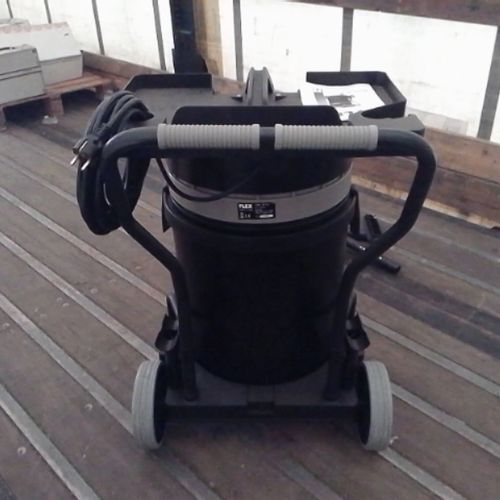 DIV FLEX VACUUM CLEANER BL 50 LITRES NEW ON TROLLEY 220V VAT recoverable