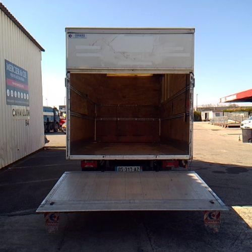 CTTE IVECO DAILY CCB BOX REMOVAL+ HAYON 35 130 Dmec: 03/06/2015 104408Kms 8CV Bo…