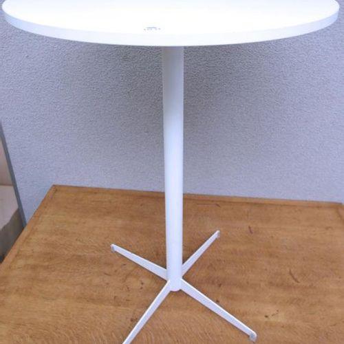 TABLE HAUTE, PLATEAU ROND EN BOIS PLAQUÉ BLANC, PIETEMENT EN METAL LAQUE BLANC A…