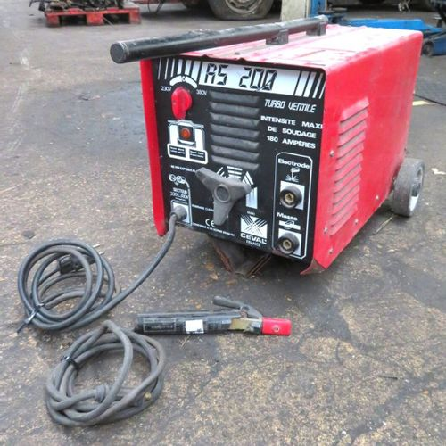 ARC WELDER MODEL RS200. LACK OF GROUND CABLE. 1ST