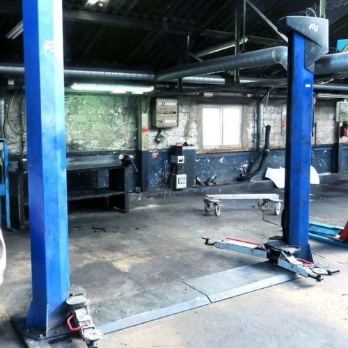 ELECTROMECHANICAL 2 POST LIFT WITH 3000 KG CHASSIS, BRAND FOG MODEL 44492300, SE…
