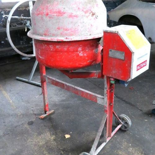CONCRETE MIXER 125 LITERS ELECTRIC 700 WATTS BRAND ALTRAD MODEL B165. SOLD WITHO…