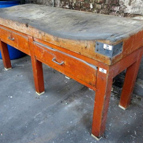 BUTCHER'S BLOCK RESTING ON A 6 FOOT CABINET WITH 2 DRAWERS IN THE BELT. 90 X 180…