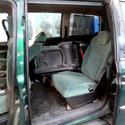 CAR VP PEUGEOT 807 2.0 HDi 16V Bodywork: CI Type serial number: VF3EBRHTB1304544…