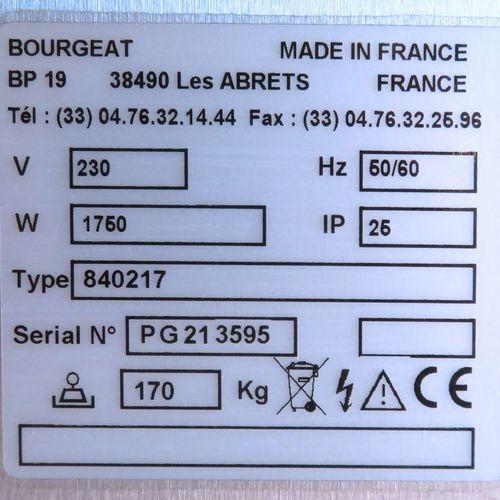 ETUVE SUR ROULETTES ELECTRIQUE DE MARQUE BOURGEAT MODELE SATTELITE 840217 EN INO…