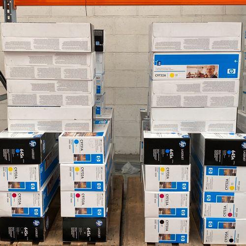 Lot de 4 Cartouches d'imprimante HP pour HP5500 couleur soit: 1 Noire C9730A( 64…