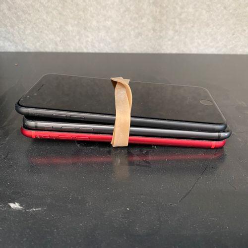 Lot de 4 IPHONE 7 + d'occasion pour pièces détachées Lot de 4 IPHONE 7 + d'occas…