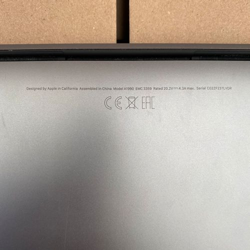 Un ordinateur APPLE MACBOOK PRO A1990 d'occasion Un ordinateur APPLE MACBOOK PRO…
