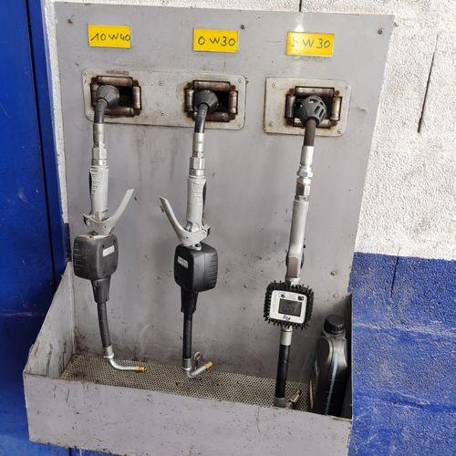 Station de distributeur d'huile.
