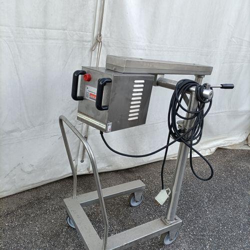 'DITO SAMA' Turbo broyeur alimentaire 380V (fonctionnel)