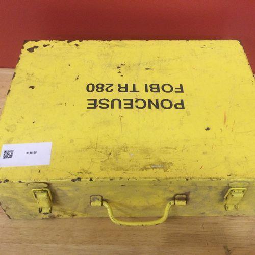 Ponceuse électroportative de marque FOBI modèle TR 280 dans sa caisse métallique…