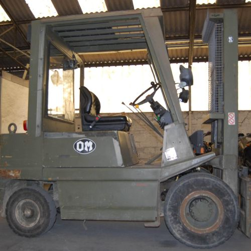 [PR] 	 For professionals only. FIAT thermal forklift truck (1995), n° E400033, m…