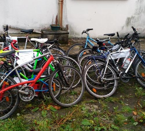 14 bicycles of various makes and conditions, to be inventoried including: 3 DECA…