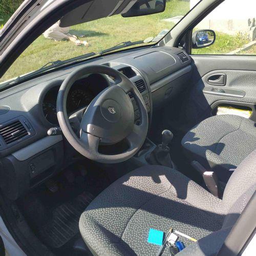 CT] RENAULT Clio II Phase 2 Campus 1.2 i 16V eco2 75 hp, Petrol, imm. DB 110 AM,…