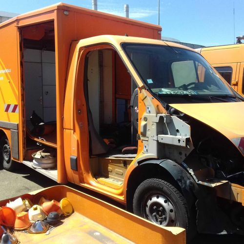 [PR] 	 For professionals only. RENAULT Master, 2 seats, Diesel, imm. DE 268 FF, …