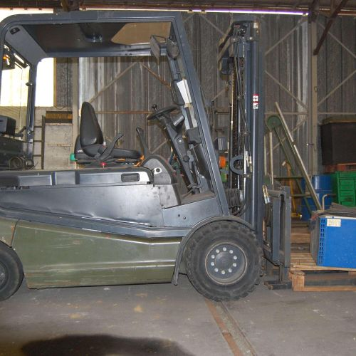 [PR]  Reserved for professionals. STILL & SAXBY electric forklift truck (2002)…