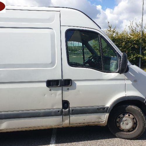 [RP] [ACI] For professionals only. 	 RENAULT Master II phase 2 2.2 dCi Raised pa…