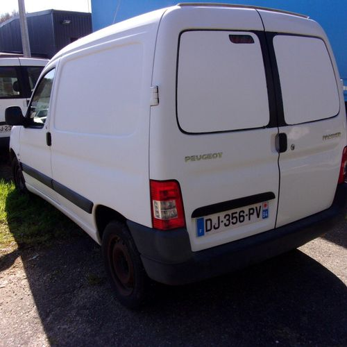 [PR]  For professionals only. PEUGEOT Partner comfort 1.6 HDi 75 hp, 2 seats, d…