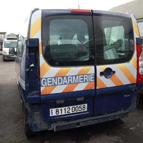 [RP] [NR]  For professionals only. PEUGEOT Expert tepee, Diesel, imm. 81 120 05…