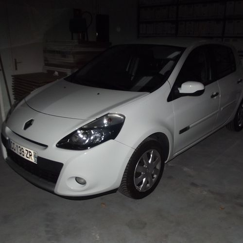 CT] RENAULT Clio III Phase 2 1.5 dCi eco2 88 hp, Diesel, imm. CC 139 ZR, type M1…