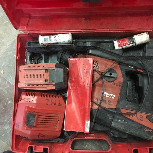 1 perforateur sans fil HILTI TE30 A36 2 batteries 1 chargeur