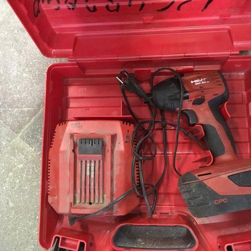 1 visseuse à choc HILTI SID 22 A 1 batterie 1 chargeur