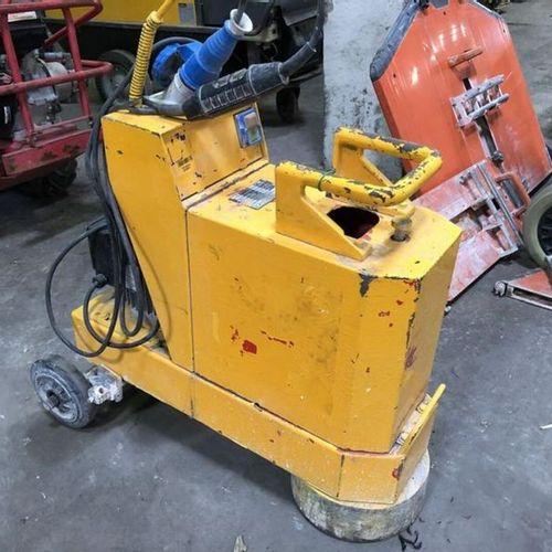 Ponseuce de sol 230 V largeur 250 mm DIAMANT BOART MP 250 2000 Année : 2000 Obse…