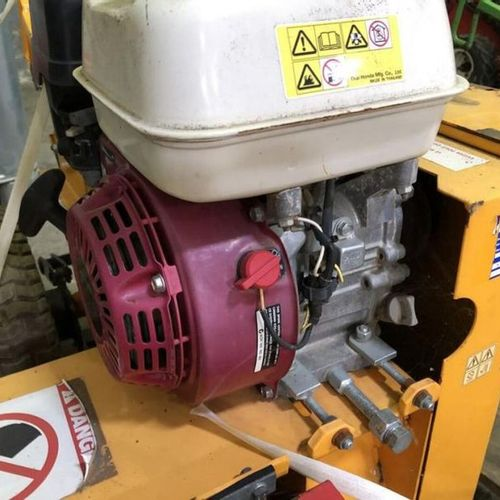 Trancheuse de sol essence 5 cV profondeur 30 cm LASKI TR 50 / 6.5 2012 Année : 2…