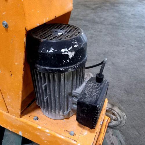 GROUND SANDING MACHINE 230 V HUSQVARNA 2008 Year: 2008 Energy: EL Colour: YELLOW…