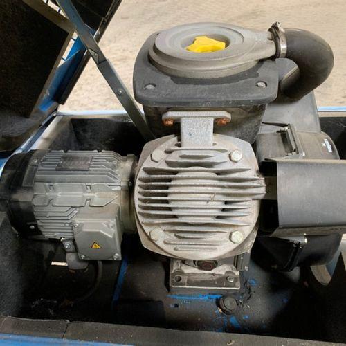 COMPRESSEUR D'AIR 400 V 10 BARS 250 L MAUGUIERE ME 30 10CV E250H Energie : EL Ob…