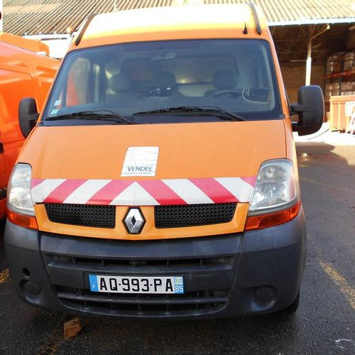 RP] Reserved for professionals: RENAULT Master II phase 2 2.5 dCi 100hp Diesel v…