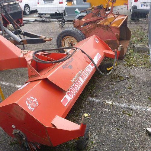 Road sweeper RABAUD, model 72037C, three point linkage. Service providing: GRAND…