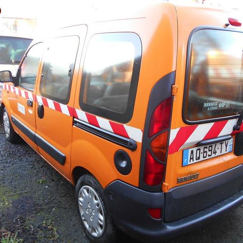 PR] Reserved for professionals: RENAULT Kangoo, Essence, imm. AQ 694 TY, type MR…