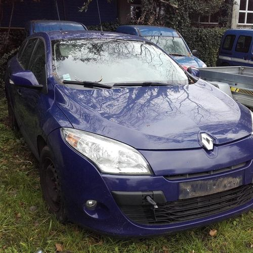 [PR]  Reserved for professionals :  RENAULT Megane, Diesel, imm. AW 837 EQ, ty…