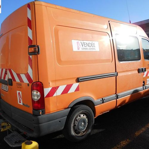 PR] Reserved for professionals: RENAULT Master Diesel, imm. AL 813 XB, type FDC2…