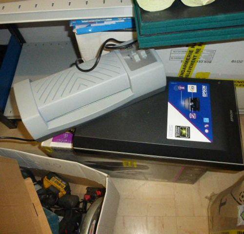 1 EPSON scanner 1 laminator 1 printer SILHOUETTE carried Service remitting : TRI…