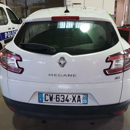 RP] Reserved for professionals: RENAULT Mégane station wagon Diesel, imm. CW 634…