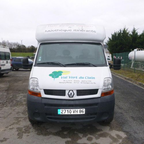 RP] Reserved for professionals: RENAULT Master, Diesel, imm. 2710 VH 86, type ED…