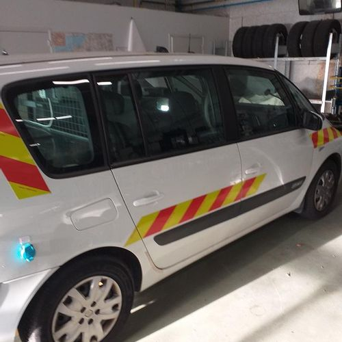 RP] Reserved for professionals: RENAULT Espace Essence, imm. AN 893 VP, type M10…